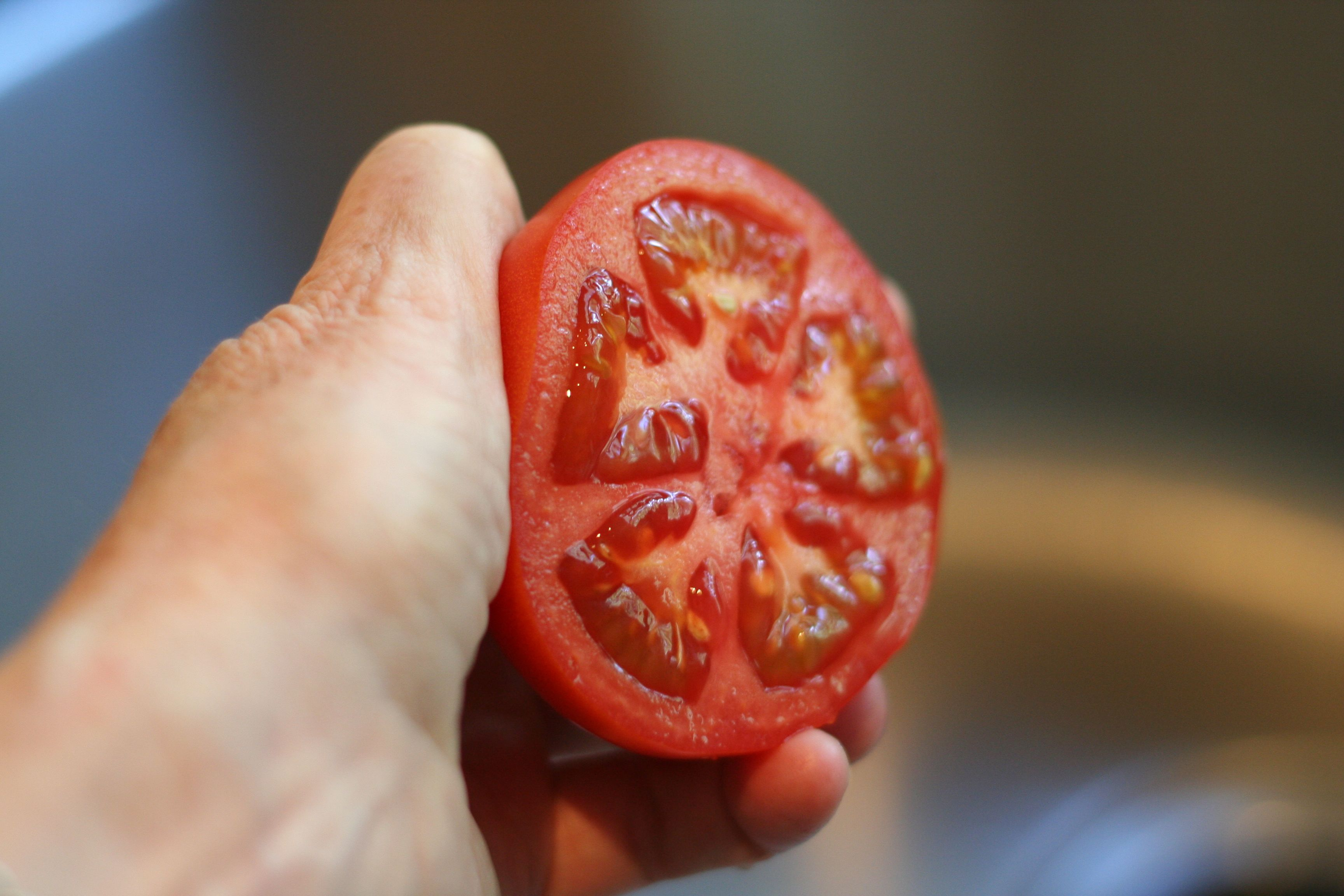 Tomatoes protect against sun damage Tomatoes protect against sun damage new pics